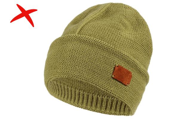 шапка с логотипом